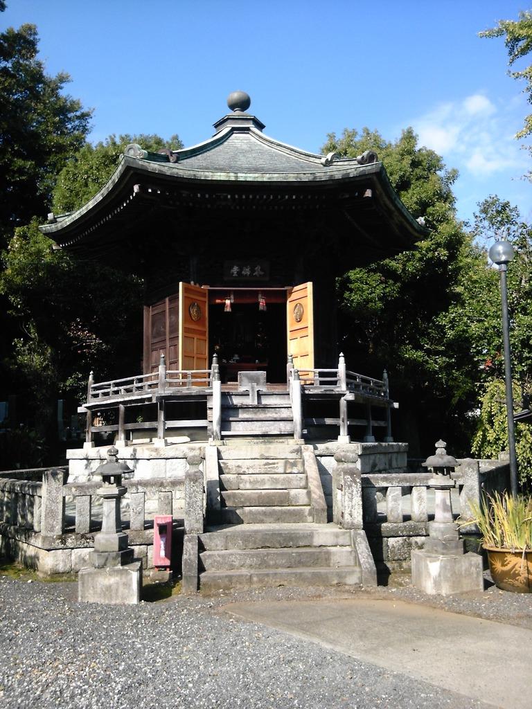 仏光寺の六角堂?