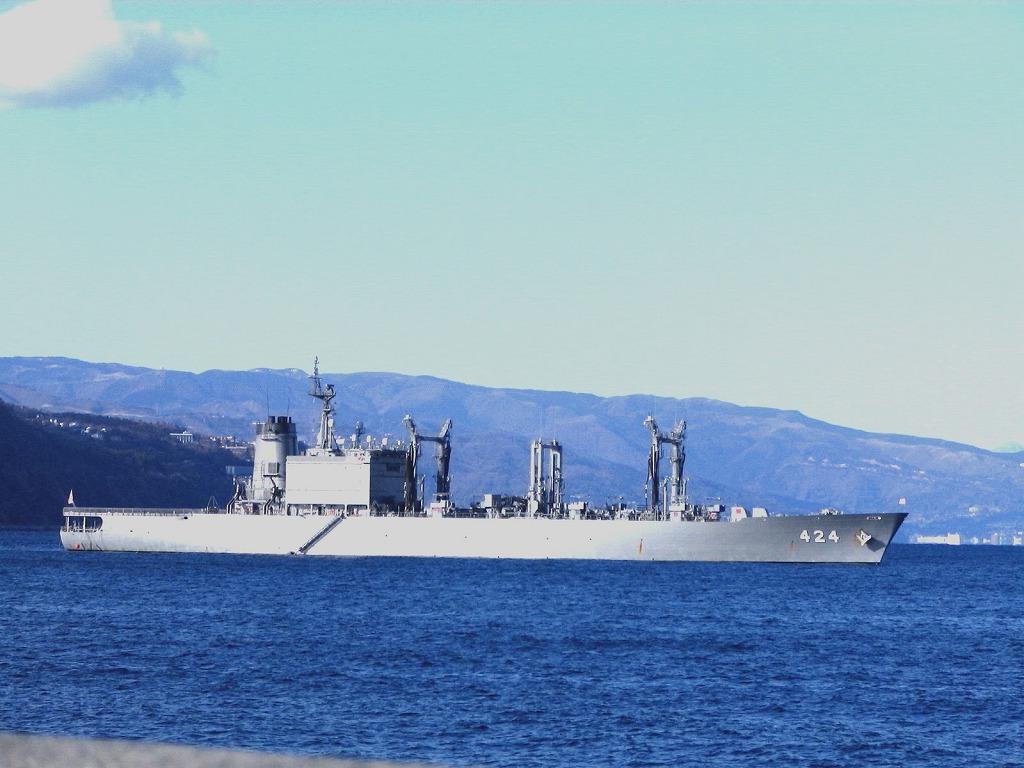 伊東港で見る船シリーズ1