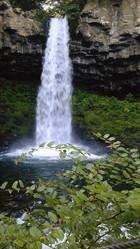 避暑のため、滝へ